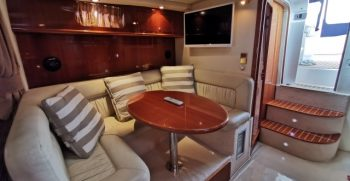 Dinette and lounge 3